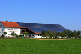 Paneles solares y energas renovables share the knownledge for Tejados solares